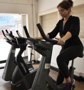 Ćwiczenia cardio z rowerkiem