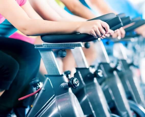 Ćwiczenia w domu i na siłowni