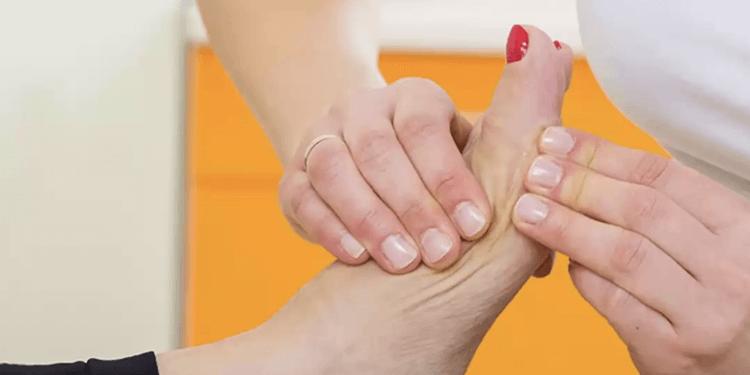 operacje stopy - usuwanie operacyjne haluksów
