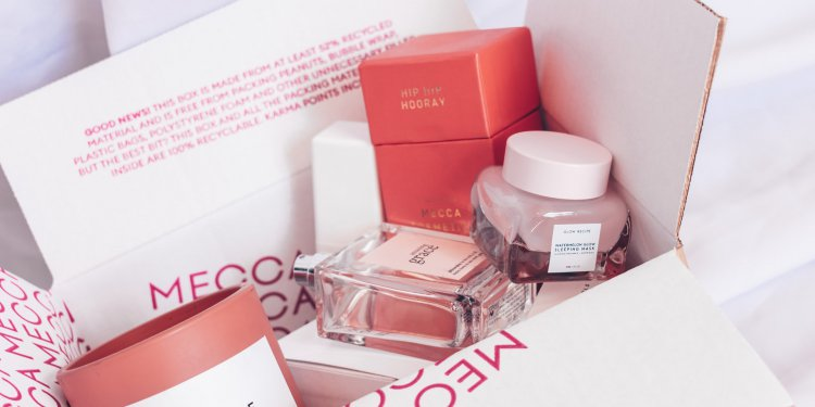 perfumy w pudełku